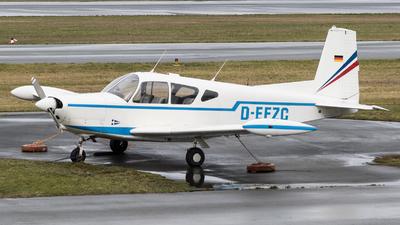 D-EFZC - SIAI-Marchetti S208 - Private