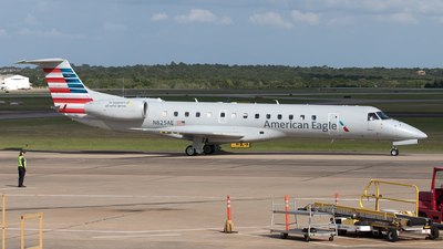 A picture of N825AE - Embraer ERJ140LR - [145589] - © Yixin Chen