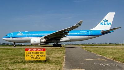 PH-AOE - Airbus A330-203 - KLM Royal Dutch Airlines