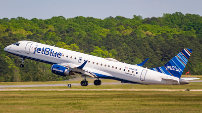 A picture of N346JB - Embraer E190AR - JetBlue Airways - © Carolina Chaser Studios