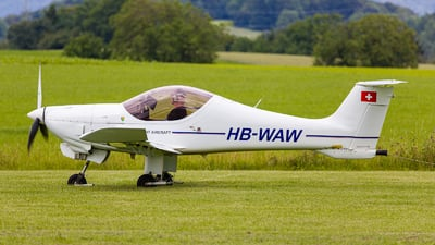 A picture of HBWAW - MCRULC - [351] - © Marcel Moser