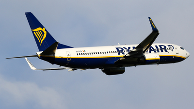 A picture of EIDYR - Boeing 7378AS - Ryanair - © C. v. Grinsven