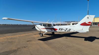 A picture of VHZJI - Cessna 172S Skyhawk SP - [172S12120] - © LIU ZF