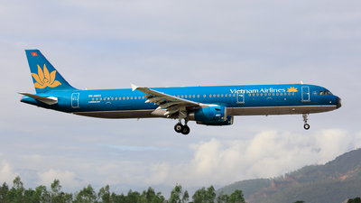 A picture of VNA603 - Airbus A321231 - Vietnam Airlines - © photogiap
