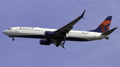 A picture of N888DU - Boeing 737932(ER) - Delta Air Lines - © Maik Voigt