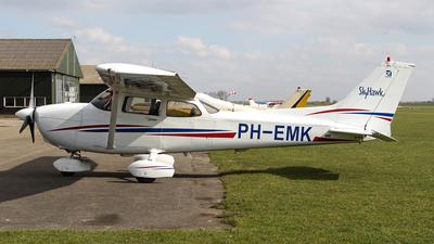 A picture of PHEMK - Cessna 172R Skyhawk - [17281163] - © Kees Marijs