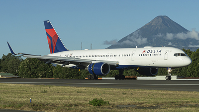 A picture of N6700 - Boeing 757232 - Delta Air Lines - © chalymtz