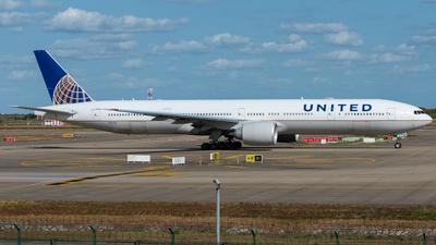 N2534U - Boeing 777-322ER - United Airlines