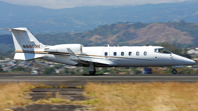 A picture of N869AV - Learjet 60 - [60306] - © Tomás Cubero Maingot - SJO Spotter