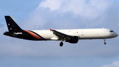 A picture of GDHJH - Airbus A321211(P2F) - Titan Airways - © Racso_Smet