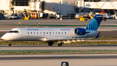 A picture of N926SW - Mitsubishi CRJ200LR - United Airlines - © Ricky Teteris