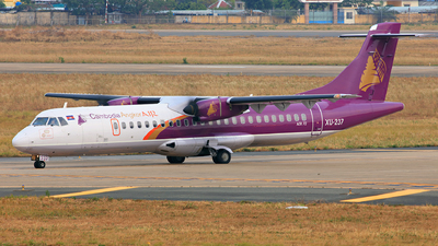A picture of XU237 - ATR 72500 - Cambodia Angkor Air - © Hao Phan