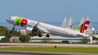 A picture of CSTJL - Airbus A321251N - TAP Air Portugal - © JAMart