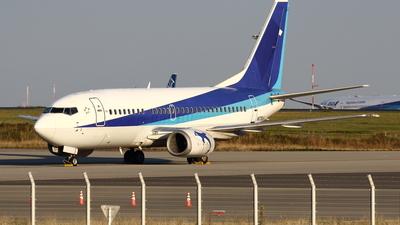 A picture of N678UA - Boeing 73754K - [28992] - © Yoshiharu Ozaki