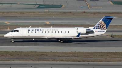 A picture of N465SW - Mitsubishi CRJ200LR - United Airlines - © Yixin Chen