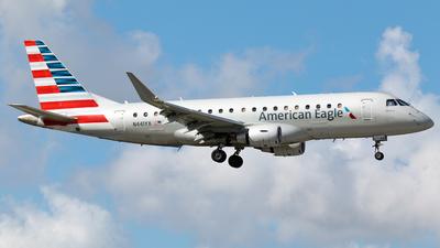A picture of N441YX - Embraer E175LR - American Airlines - © Robert Maverick Rivera