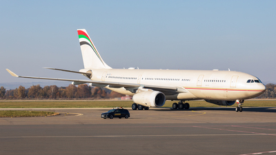 OE-ITZ - Airbus A330-243 - Untitled