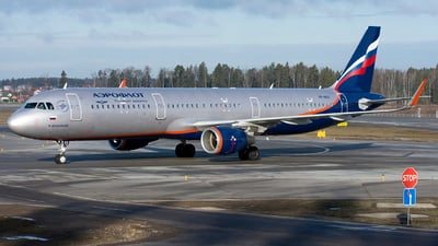 A picture of VPBES - Airbus A321211 - Aeroflot - © SN7756