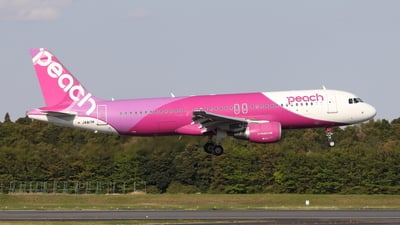 JA817P - Airbus A320-214 - Peach Aviation