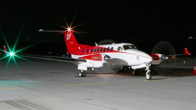 N874UP - Beechcraft B300 King Air 350i - Wheels Up
