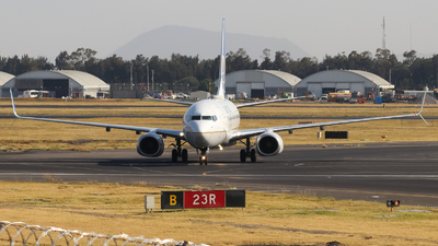 N16701 - Boeing 737-724 - United Airlines