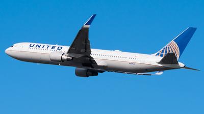 A picture of N659UA - Boeing 767322(ER) - United Airlines - © Wilko Doodhagen