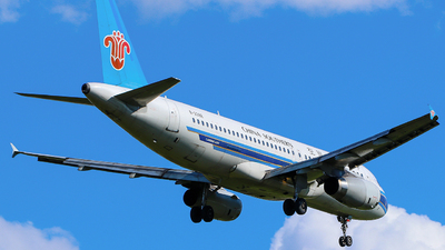 B-2392 - Airbus A320-232 - China Southern Airlines