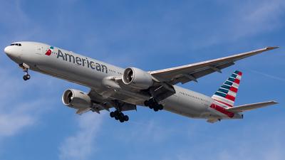 N721AN - Boeing 777-323ER - American Airlines