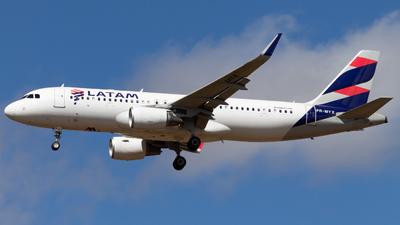 PR-MYX - Airbus A320-214 - LATAM Airlines