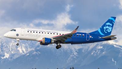 A picture of N651QX - Embraer E175LR - Alaska Airlines - © Dylan Kirsten
