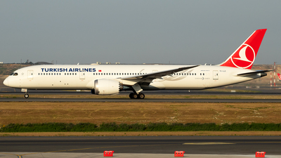 A picture of TCLLE - Boeing 7879 Dreamliner - Turkish Airlines - © egesanda