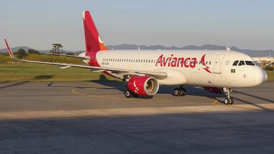PR-OCM - Airbus A320-214 - Avianca Brasil