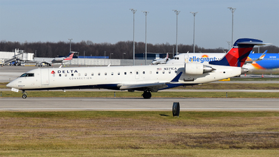 A picture of N371CA - Mitsubishi CRJ701ER - Delta Air Lines - © Brady Noble