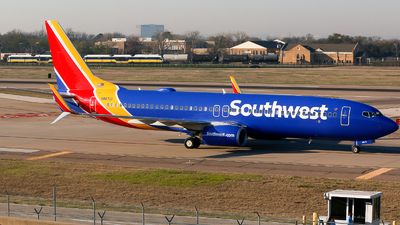 N8671D - Boeing 737-8H4 - Southwest Airlines