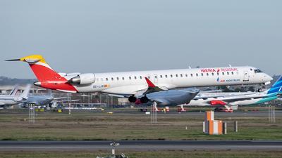 A picture of ECLJX - Mitsubishi CRJ1000 - Iberia - © Clément Moenner