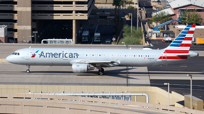 A picture of N196UW - Airbus A321211 - American Airlines - © Huy Do