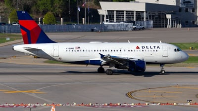 A picture of N318NB - Airbus A319114 - Delta Air Lines - © Jeremy D. Dando