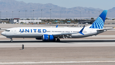 A picture of N47524 - Boeing 737 MAX 9 - United Airlines - © bill wang