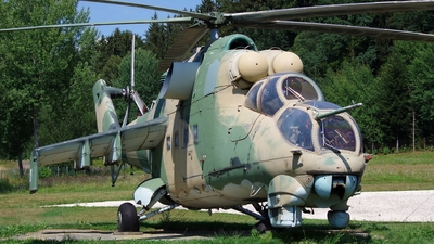 0147 - Mil Mi-24D Hind D - Czech Republic - Air Force