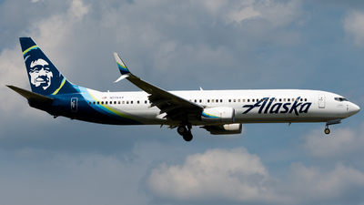 A picture of N274AK - Boeing 737990(ER) - Alaska Airlines - © Michael Place