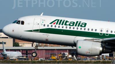 EI-DSH - Airbus A320-216 - Alitalia