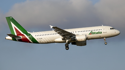 A picture of EIDSW - Airbus A320216 - Alitalia - © Fabrizio Gandolfo