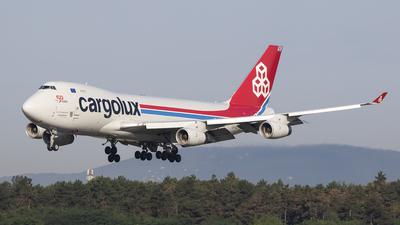 A picture of LXOCV - Boeing 7474R7(F) - Cargolux - © bencekohutovics