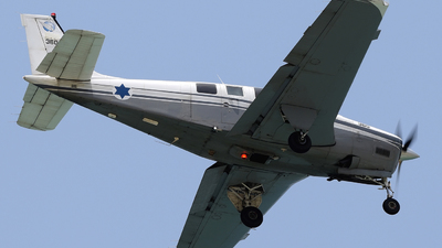 360 - Beechcraft A36 Chofit - Israel - Air Force
