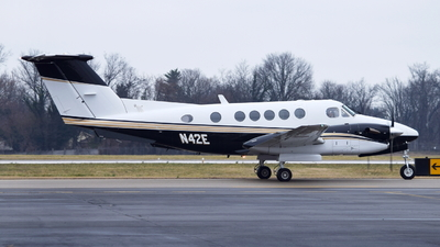 N42E - Beechcraft 300 Super King Air - Private