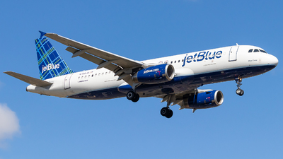 A picture of N768JB - Airbus A320232 - JetBlue Airways - © Alonso Cisneros