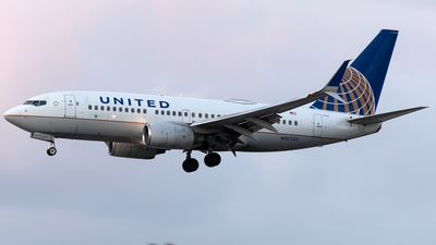 A picture of N16732 - Boeing 737724 - United Airlines - © Ricky Teteris