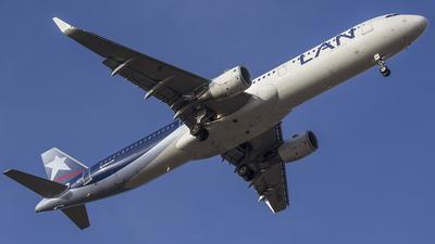 CC-BEH - Airbus A321-211 - LAN Airlines
