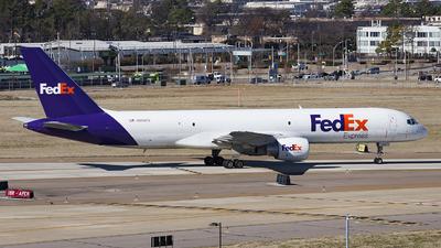 A picture of N995FD - Boeing 7572Q8(SF) - FedEx - © JK zhong