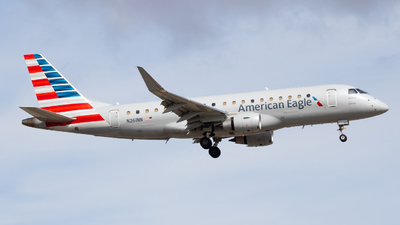 A picture of N261NN - Embraer E175LR - American Airlines - © Sean Asay